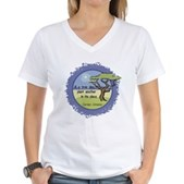 Linnaeus Quote Women's V-Neck T-Shirt